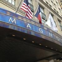 รูปภาพถ่ายที่ Magnolia Hotel โดย bridgette h. เมื่อ 4/16/2013