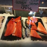 Foto diambil di Seattle Fish Company oleh Cheryl C. pada 5/19/2013
