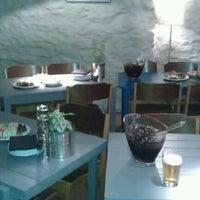 Снимок сделан в Cafe och Bar Popular пользователем Johannes H. 9/14/2012