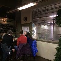รูปภาพถ่ายที่ Firefly Hollow Brewing Co. โดย Angel M. เมื่อ 12/28/2013