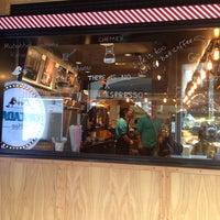 Das Foto wurde bei Cascada Coffee von Murat K. am 10/14/2014 aufgenommen