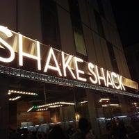 Photo prise au Shake Shack par Khee L. le9/26/2012
