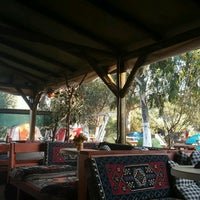 Foto scattata a Azmakbasi Camping da Özgür A. il 9/14/2016