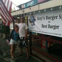 8/7/2013にRobert L.がIzzy's Burger Spaで撮った写真