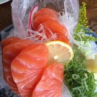 Foto tirada no(a) Keizo Teppan Sushi Bar por Monica H. em 5/10/2014