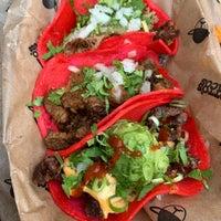Снимок сделан в Otto's Tacos пользователем Mike C. 10/5/2018