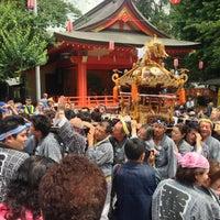 Foto diambil di Hanazono Shrine oleh Jun K. pada 5/26/2013