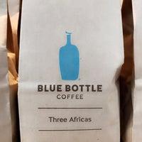 Photo prise au Blue Bottle Coffee par AAA le10/13/2018