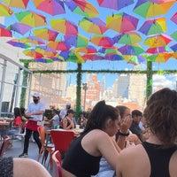 6/15/2021 tarihinde Teresa W.ziyaretçi tarafından Cantina Rooftop'de çekilen fotoğraf