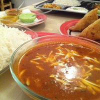 Foto tomada en Bismad Indian Food & Drink por Jordi S. el 3/22/2014