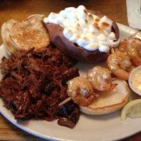 2/13/2013 tarihinde Chantele S.ziyaretçi tarafından Texas Roadhouse'de çekilen fotoğraf