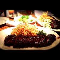 Das Foto wurde bei Houston's Restaurant von Robert D. am 8/30/2012 aufgenommen