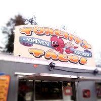 Foto tomada en Torchy's Tacos por Darron D. el 12/2/2012