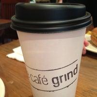Foto tirada no(a) The Café Grind por Joshua M. em 10/19/2012