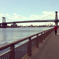 3/29/2013 tarihinde Cesar R.ziyaretçi tarafından East River Park'de çekilen fotoğraf