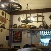Photo prise au Rustic - Restaurant romanesc par Stefaan S. le9/20/2015