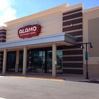 Foto tirada no(a) Alamo Drafthouse One Loudoun por Donnie H. em 9/26/2013