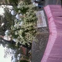 Снимок сделан в University of Santo Tomas Quad пользователем Tenten T. 10/7/2012