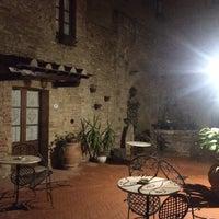 Das Foto wurde bei Palazzo Buonaccorsi von E am 4/10/2018 aufgenommen