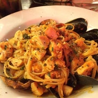 Foto tomada en Nello Cucina por Steven H. el 1/12/2014