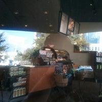 Photo prise au Starbucks par William D. le10/11/2012