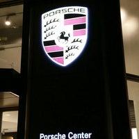 10/26/2015 tarihinde kazunoko 秋.ziyaretçi tarafından Porsche Center Ginza / ポルシェセンター銀座'de çekilen fotoğraf