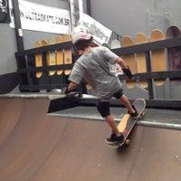 Foto tirada no(a) Ultra Skate por Ale K. em 3/22/2014