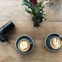 Photo prise au Toby's Estate Coffee par Peet H. le12/3/2017