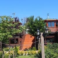 รูปภาพถ่ายที่ Gölköy Restaurant โดย Gölköy Restaurant เมื่อ 7/14/2016
