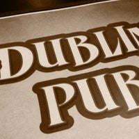 Foto diambil di Dublin Pub oleh Mike M. pada 7/15/2012