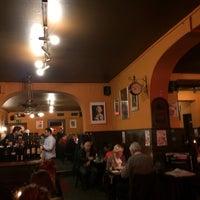 Das Foto wurde bei Restaurant Cafe Bleibtreu von Ali E. am 3/28/2014 aufgenommen