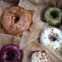 Photo prise au Doughnut Plant par Lisa le10/19/2013