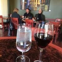 รูปภาพถ่ายที่ Cedar Crossing Tavern and Wine Bar โดย Bliss เมื่อ 4/24/2014