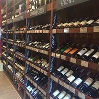 5/29/2014에 Kristina G.님이 Wine House에서 찍은 사진