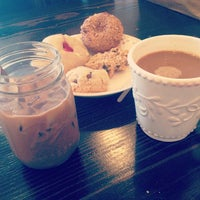 Снимок сделан в Milk Jar Cookies пользователем Bindi E. 10/16/2013