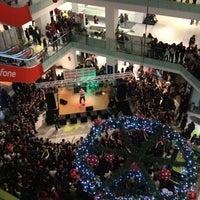 รูปภาพถ่ายที่ Athens Metro Mall โดย George T. เมื่อ 11/30/2012