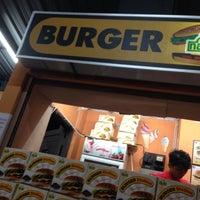 Das Foto wurde bei Burger Station von Amirul Z. am 1/5/2016 aufgenommen