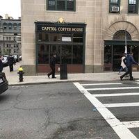 Foto scattata a Capitol Coffee House da Dave H. il 5/30/2017