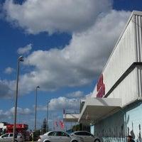 รูปภาพถ่ายที่ Macro Mercado โดย Cari F. เมื่อ 1/25/2014