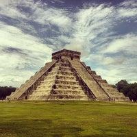Foto tomada en Zona Arqueológica de Chichén Itzá por Thiago C. el 6/30/2013
