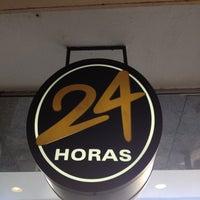 Foto tirada no(a) Fran's Café por Hubert A. em 7/26/2012