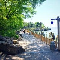 Photo prise au Battery Park City Esplanade par Veronika I. le5/26/2015