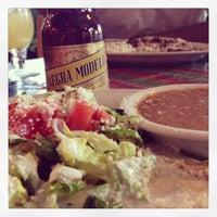 6/20/2013にLeslie G.がEl Comal Mexican Restaurantで撮った写真