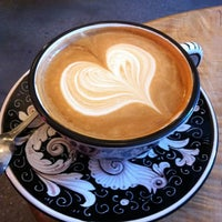 Foto tirada no(a) La Colombe Coffee Roasters por Rebecca F. em 2/1/2013