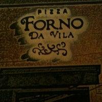 Foto tirada no(a) Forno da Vila Pizzaria por Alexandre I. em 9/29/2012