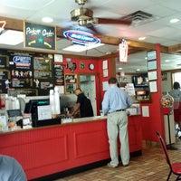 Das Foto wurde bei Burger House von M B. am 5/9/2014 aufgenommen