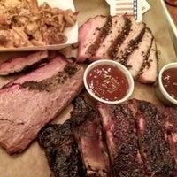 1/10/2015 tarihinde Phillip C.ziyaretçi tarafından Green Street Smoked Meats'de çekilen fotoğraf