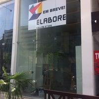 Foto tirada no(a) Elabore //collab.store por Andr?a F. em 5/2/2014