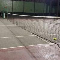 Foto diambil di Lapangan Tennis Lumintang oleh Ngoerah P. pada 7/4/2014