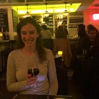 Photo prise au Serena's Wine Bar-Cafe par Brian E. le3/20/2015
